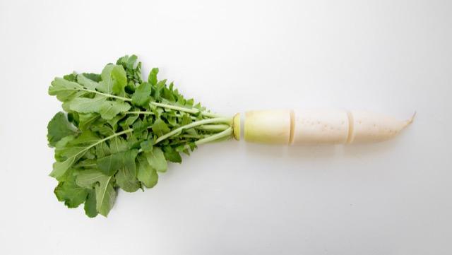 甘いカット大根を選ぶコツと、部位別のオススメ料理法