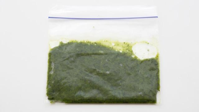 料理に使いやすい、バジルペーストの便利な保存法