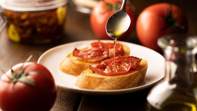 [ドライトマトの作り方]オーブンやレンジで!簡単&旨味が凝縮
