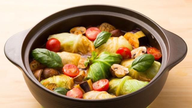 粗びき肉のロールキャベツ鍋(4人分)