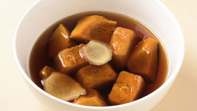 将蒸南瓜浸泡在浸泡汤中一晚,熟悉的味道变得更好