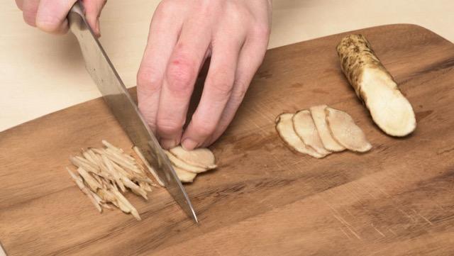 せん切り:炒め物や和え物、サラダなどにおすすめ