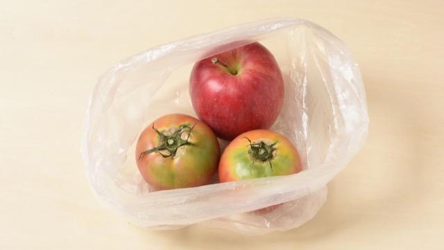 未熟なトマトを早く食べごろにする方法