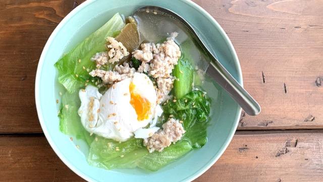 鶏ミンチとレタスのチャイナスープのレシピ