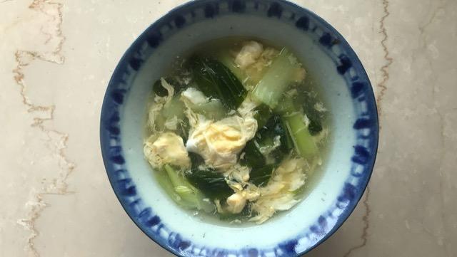 チンゲン菜と卵のスープレシピ!プロ直伝、溶き卵とトロみのコツ